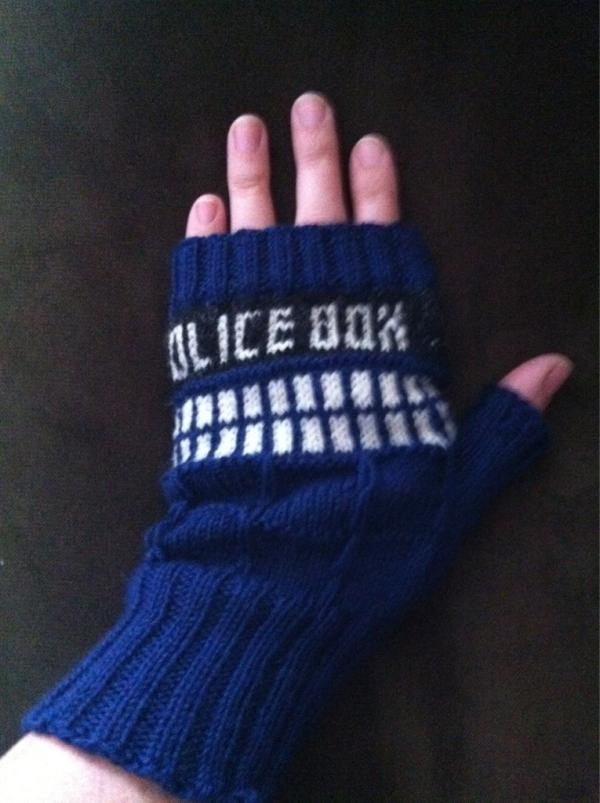 Nerd is the Word: Guest Post: Doctor Who TARDIS Fingerless Gloves ...