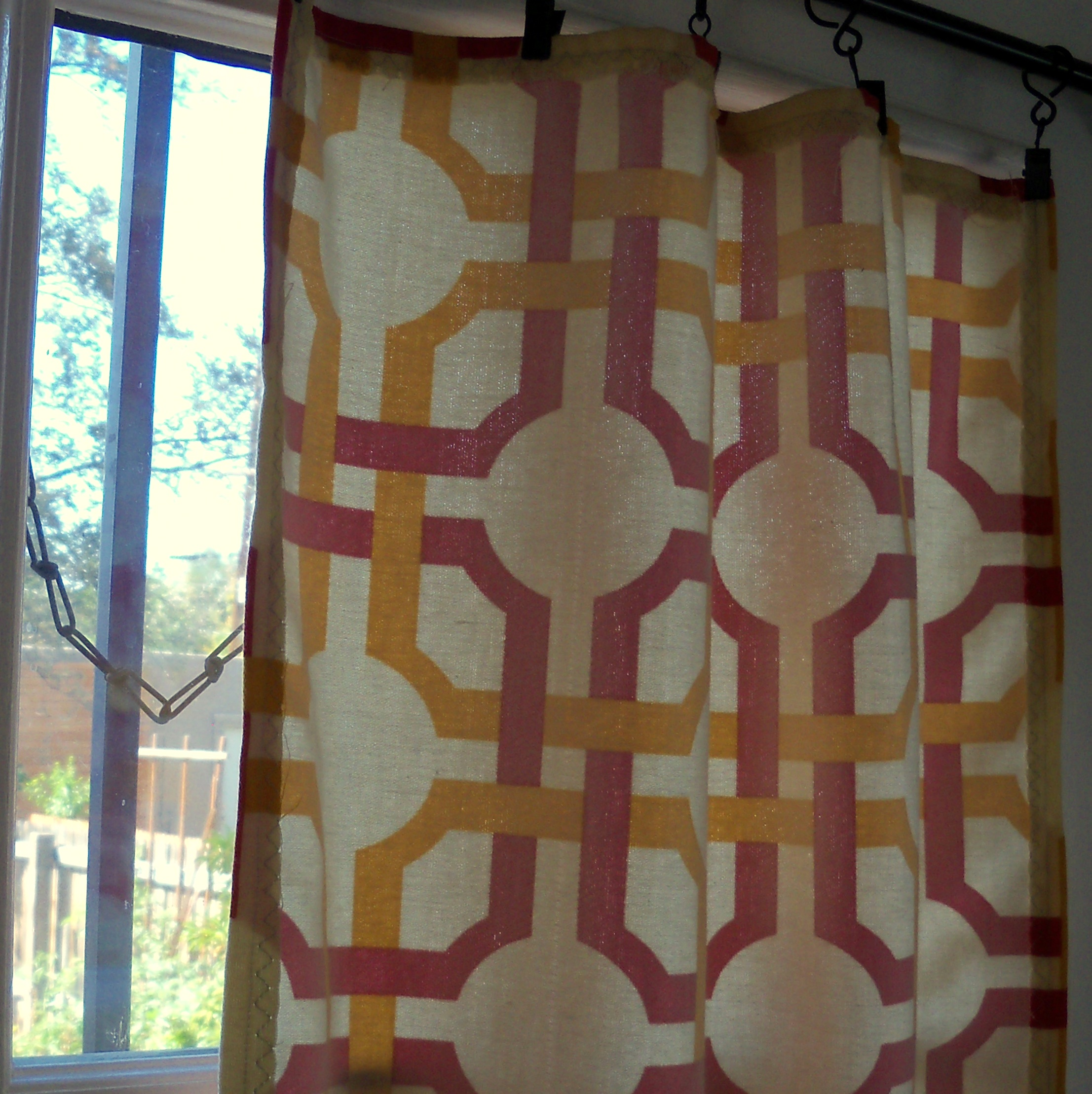 Sewing Basics: What fabric  for Curtain Patterns 2012  166kxo